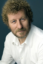 Sebastian Faulks. Foto Deborah Feingold